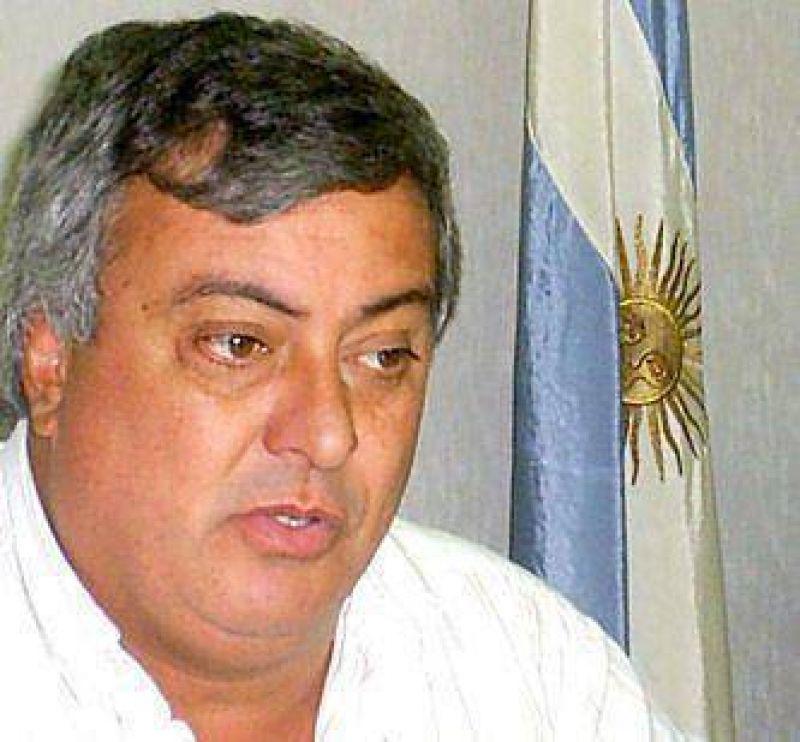 """Carlos Selva: """"Es un momento complejo pero encuentra un municipio ordenado y solvente""""."""