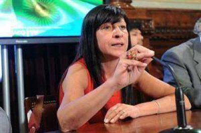 """Diana Conti: """"Me gustaría que el pueblo pidiera la reelección de Cristina"""""""
