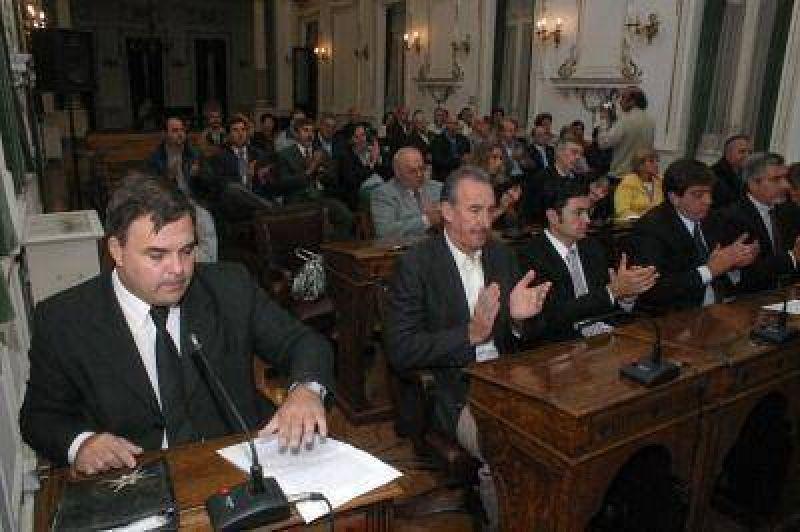 Sánchez pidió apoyo, la oposición respeto