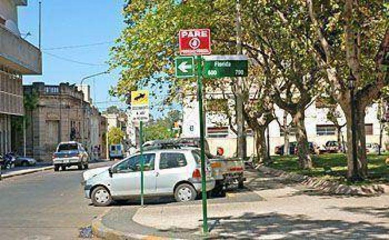 El Municipio inició otra etapa de señalización en varias zonas de la ciudad.