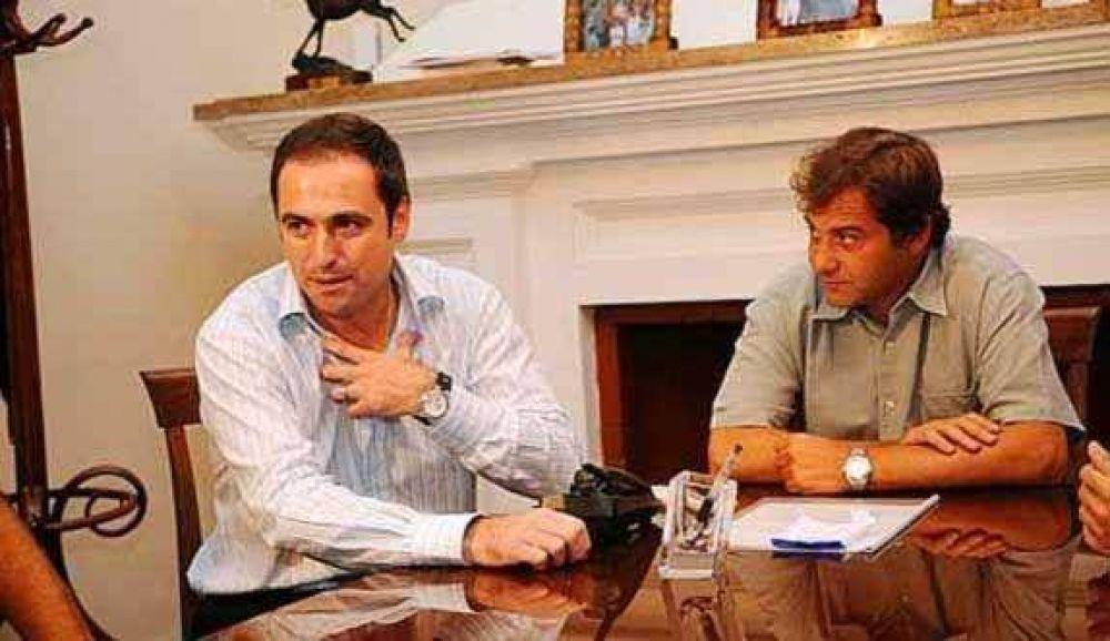 Acuerdo Mestre-Nicolás y sigue la presión nacional