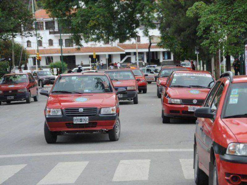 Peones de taxis piden definiciones a la AMT para el sector