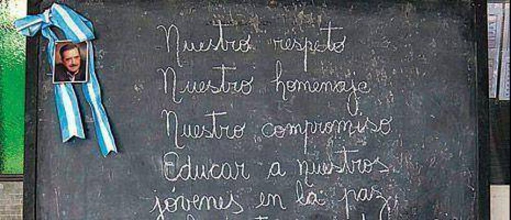 En Chascomús, los alumnos de la escuela de Alfonsín lo recordaron con anécdotas.