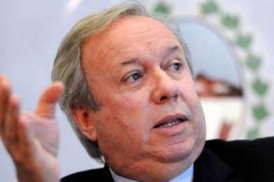 Ministros de Santa Cruz entregaron sus renuncias a pedido de Peralta