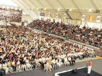 Más de mil grupos de jóvenes quieren formar su empresa