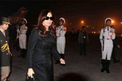 La Presidenta llegó a Hanoi y adelantó detalles de su agenda en Vietnam