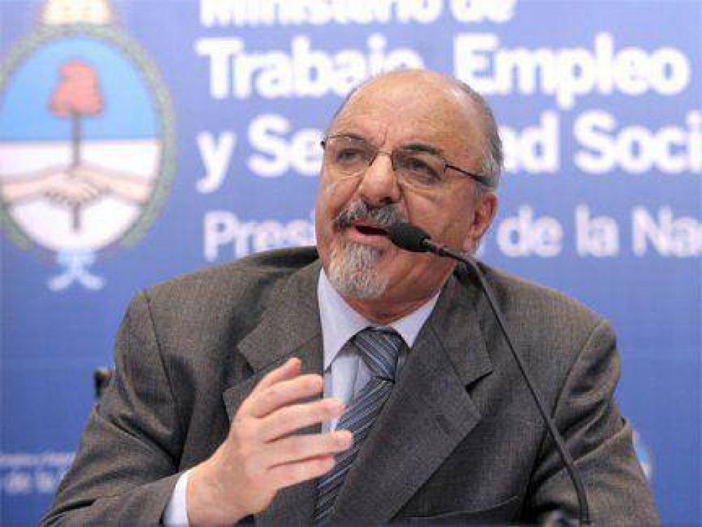 El ministro de Trabajo recibe a bancarios