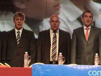 Pérez se involucró en la interna del PJ y llamó a una cumbre de intendentes