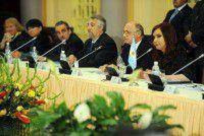 El Partido Comunista elogió la gira de Cristina por Cuba y Vietnam