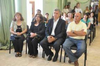 """Con más material bibliográfico reinaguraron la Biblioteca Popular """"José Manuel Estrada"""""""