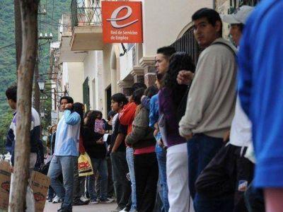 Cada vez más la inflación boicotea la creación de empleo