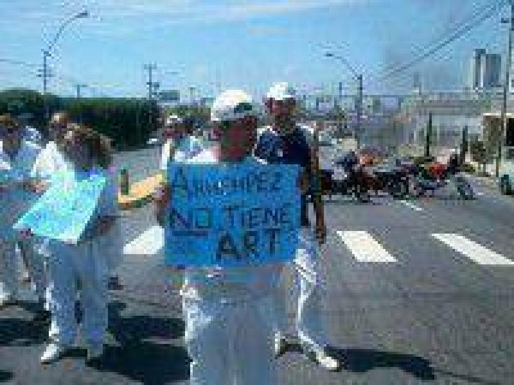 Trabajadores del SOIP reclaman por la ART y exigen pago de salarios