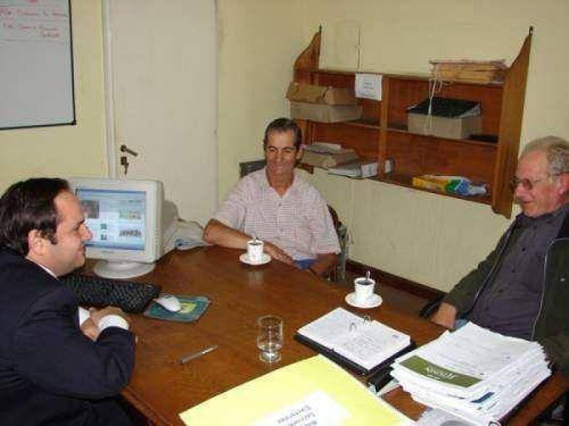 Itoiz se reuni� con representantes de taxis