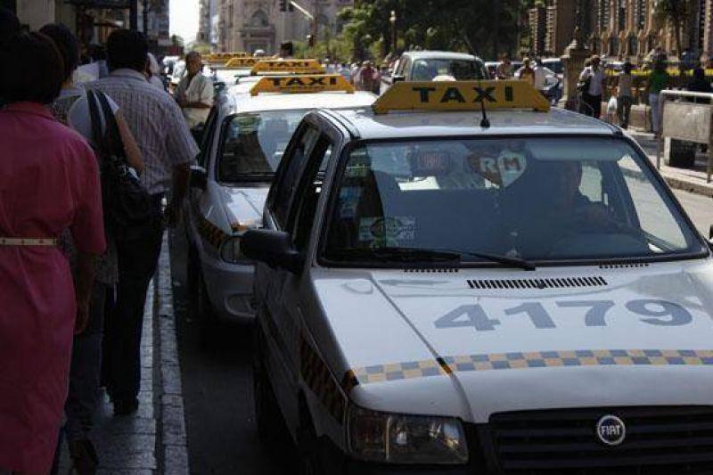 Amaya recibir� a taxistas la semana que viene