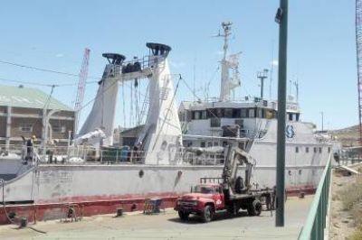 Otra empresa pesquera que decide llevarse los barcos de la Patagonia