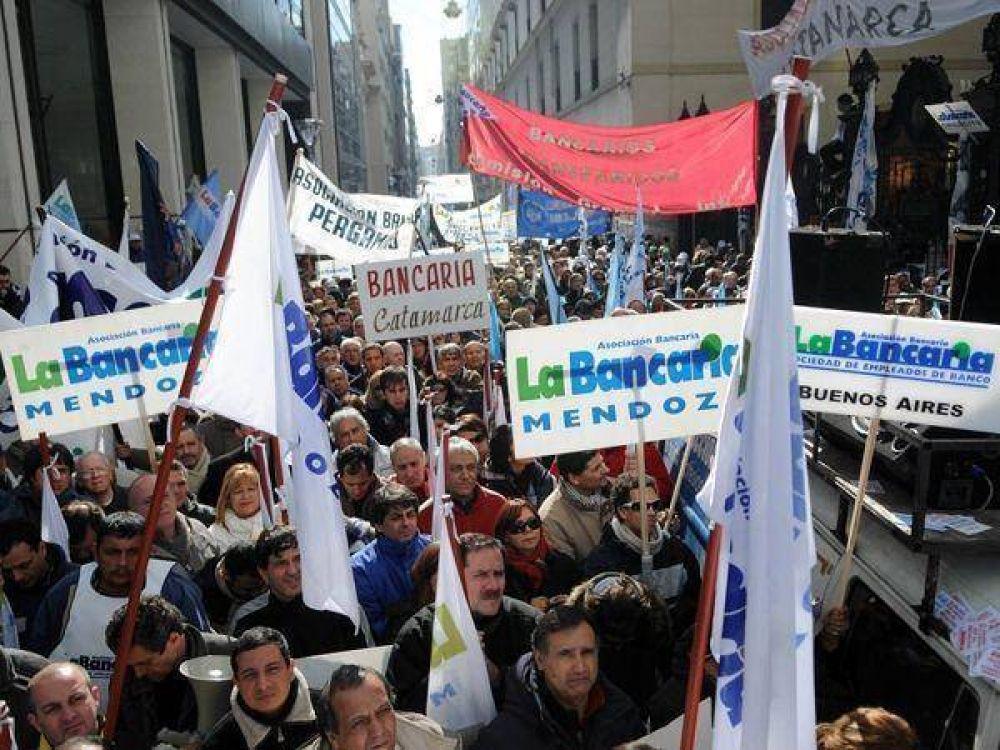 """Los bancarios amenazan con """"medidas de fuerza"""" si no hay acuerdo"""