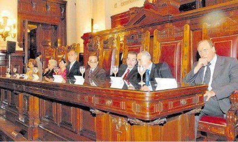 Retrasa el Gobierno la designación de 48 jueces.