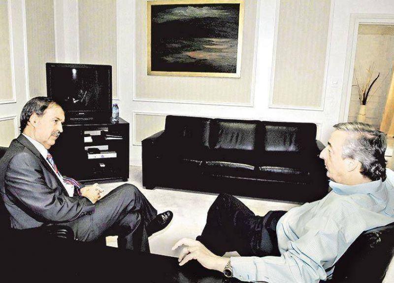 En Córdoba, Schiaretti cierra con Mondino y se aleja de Kirchner.
