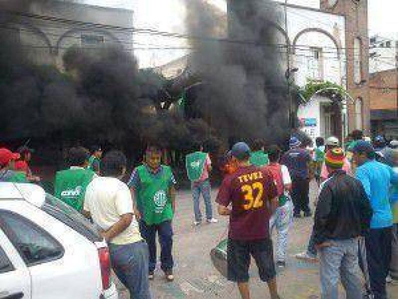 Tercera semana de conflicto en Libertador General San Martin