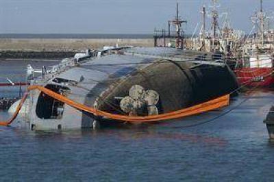 El Gobierno ordenó destituir a dos jefes navales por el hundimiento del buque Santísima Trinidad
