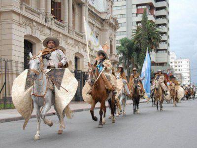 Partió la marcha evocativa gaucha hacia Humahuaca