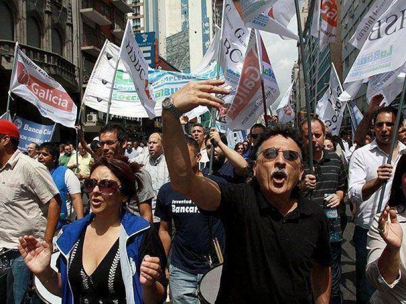 Pulseada salarial: bancarios tratarán de homologar hoy preacuerdo en Trabajo