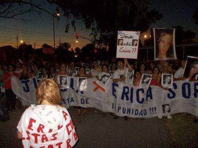 Marcha y pedido de justicia por Erica Soriano en Villa Adelina