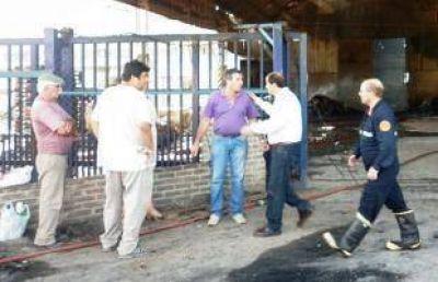 Incendio en Celupaper: Bomberos de San Nicolás realiza las pericias