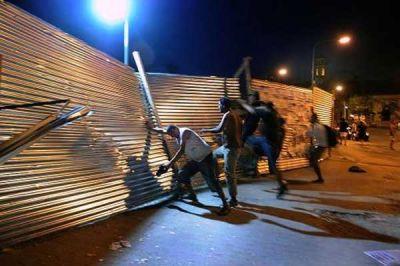 La Justicia ordenó detener las obras de enrejamiento en el Parque Centenario