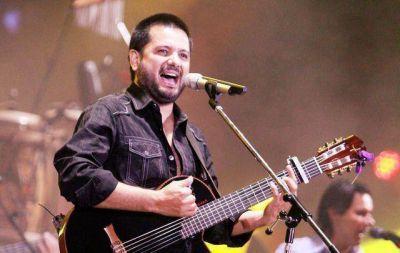 Con Jorge Rojas comenz� el Festival de Pe�as de Villa Mar�a