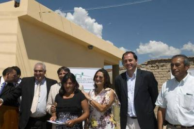 Lucía inauguró obras en Santa María