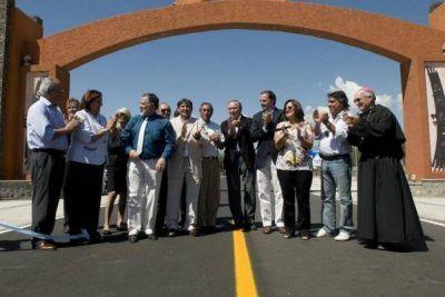 La Gobernadora inauguró obras en Santa María