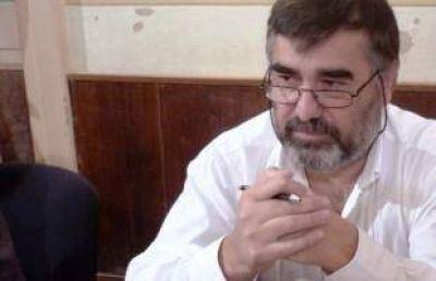 Arana pidió que Sánchez Negrete renuncie al Club Náutico y el Concejal dijo que se presentará para ser Comodoro