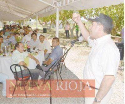 Casas garantizó apoyo oficial a los productores vitivinícolas