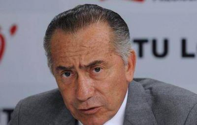 Lino Oviedo muri� carbonizado en accidente a�reo en Paraguay