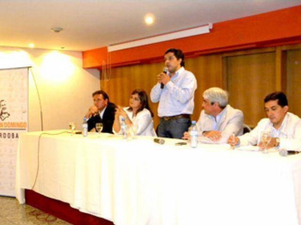 De Fazio con la Juan Domingo en Córdoba