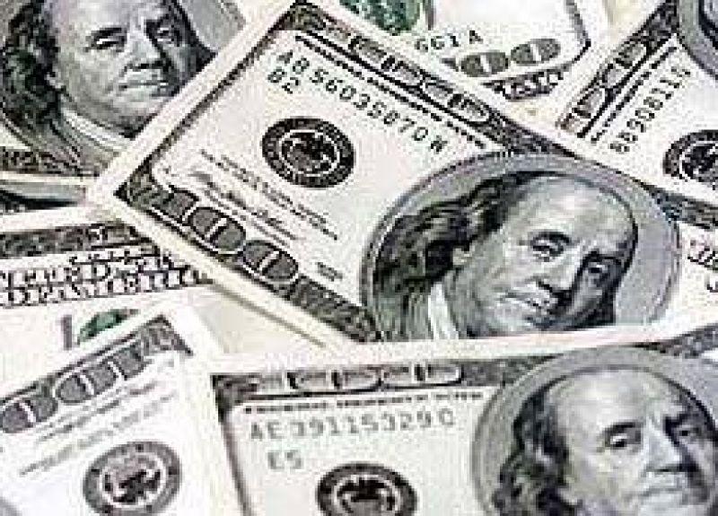 El dólar descendió dos centavos a $ 3,70