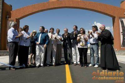 Corpacci inauguró obras en Santa María