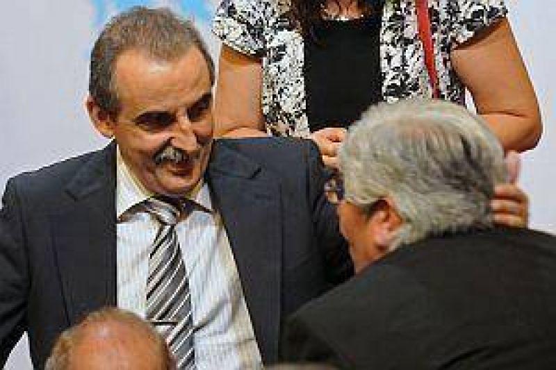 """Moyano, contra el pacto por precios: """"En dos meses suben al doble"""""""