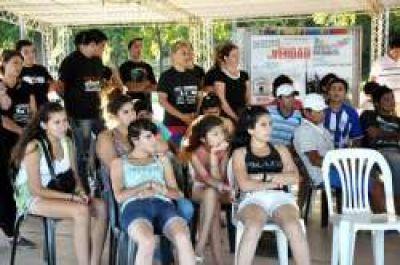 Comenzaron las jornadas juveniles de verano en la Isla del Cerrito