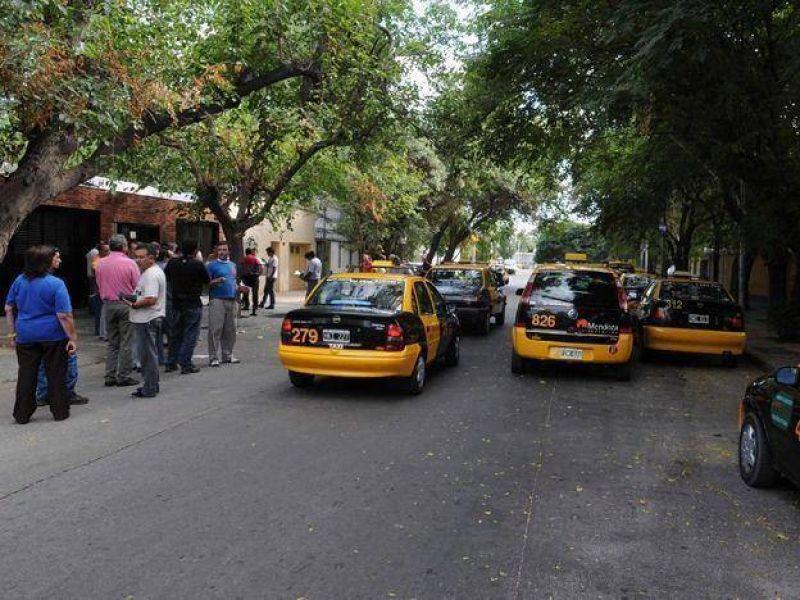 """Sindicato de taxistas: """"Si no solucionan la inseguridad nos movilizaremos sorpresivamente"""""""