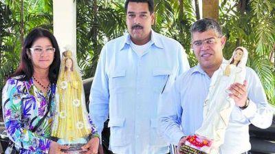 El chavismo acusa por la foto de Chávez a Felipe González