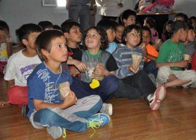 Colonias de Vacaciones Integradas 2013: Cine, juegos inflables y actividades recreativas