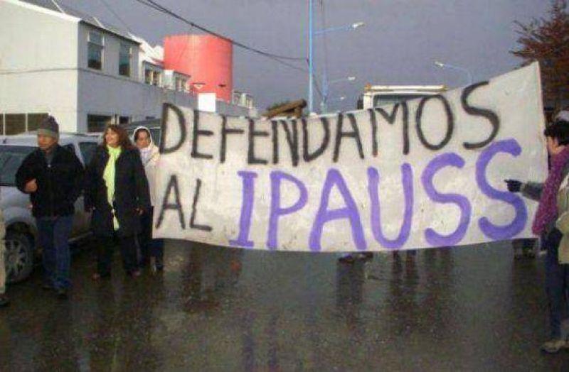 Directores del IPAUSS reclamaron en Casa de Gobierno