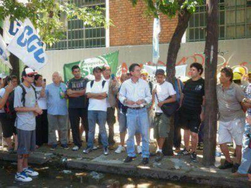 Manifestación de trabajadores de la ex Bosch por violento desalojo