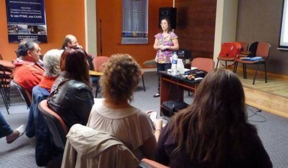 Realizaron taller de comunicación neurolinguística en la Cámara de Comercio