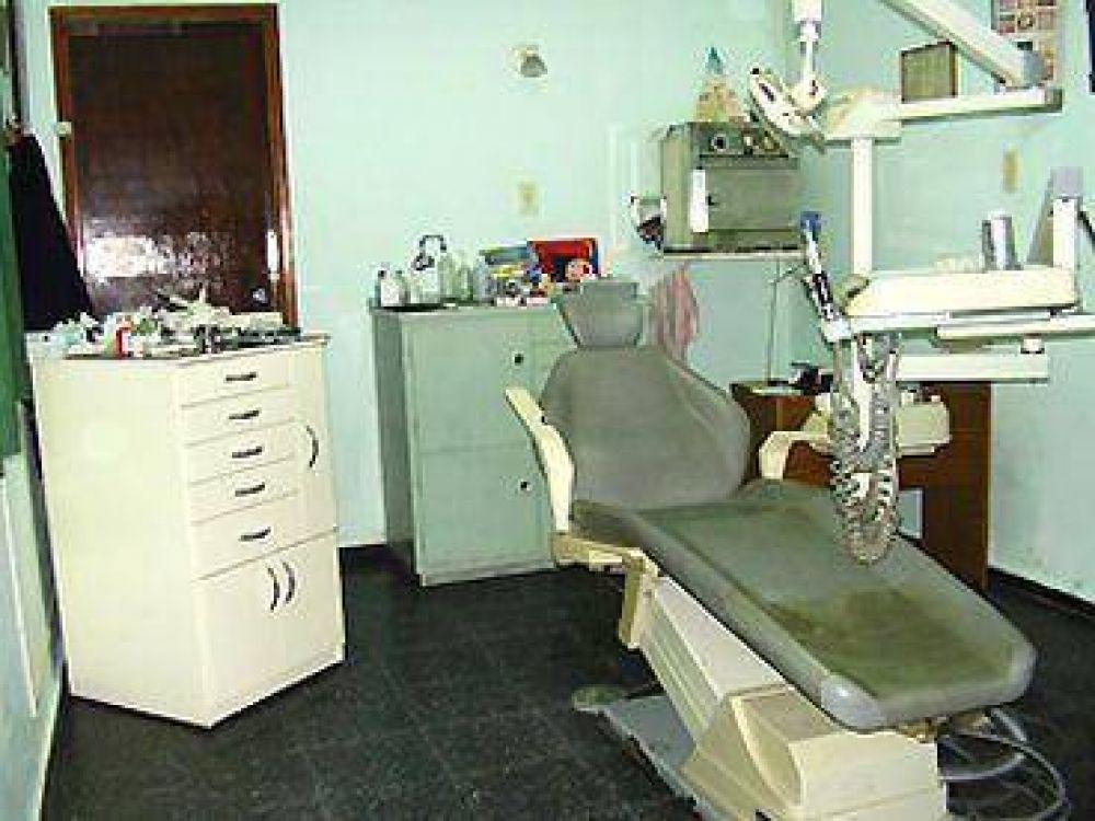El Gobierno instala el primer consultorio odontológico en Tolar Grande.