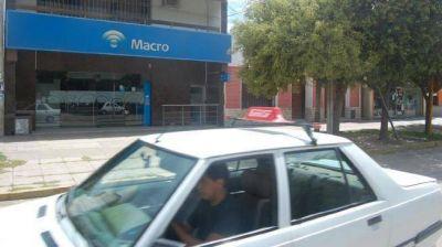 Avanza la causa contra policías por frustrado golpe a un banco