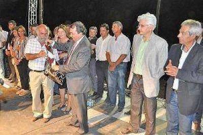 El gobierno provincial inauguró obras en el 469º aniversario de la localidad de Medellín