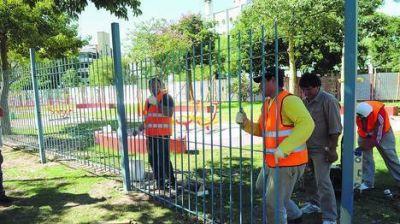 Parque Centenario: además de rejas, tendrá custodia policial día y noche